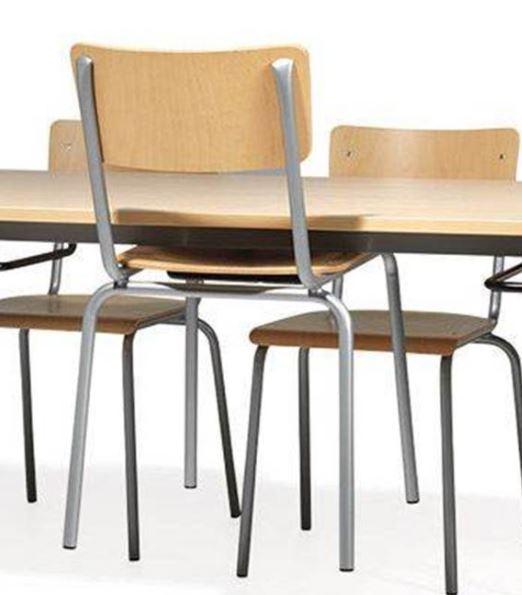 ställa upp stolar